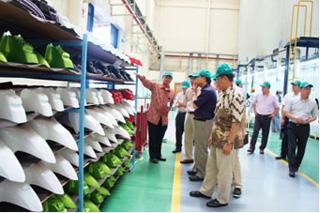 静岡県内から進出している企業の工場見学