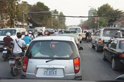 飽和しつつある交通渋滞